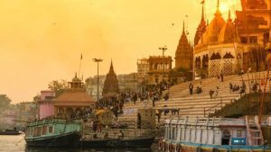 Kashi Vishwanath Temple and the holy river Ganga